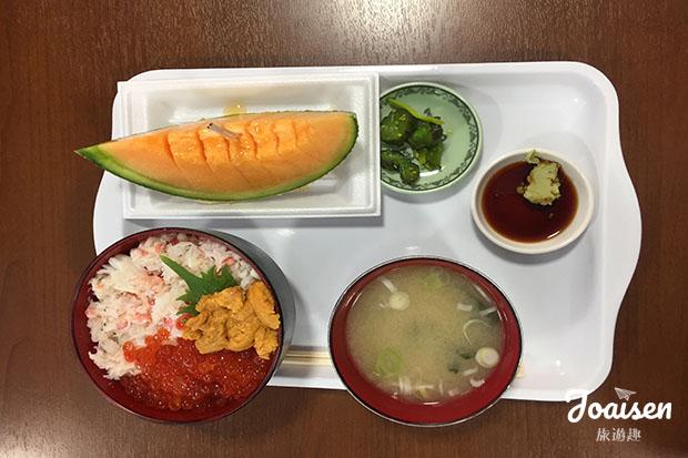 蟹肉、鮭魚卵、海膽定食